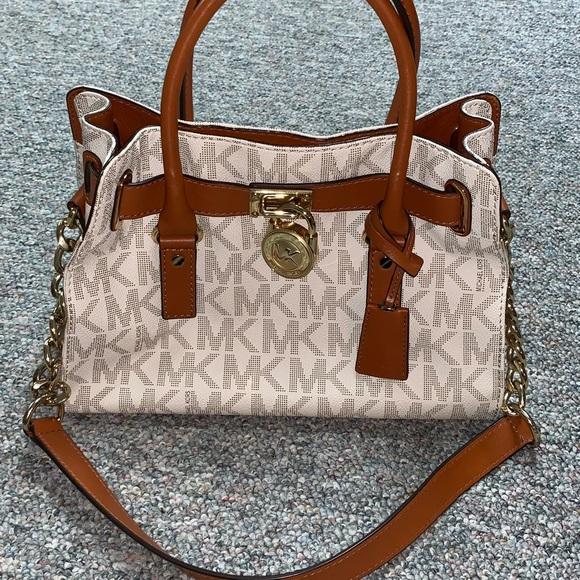 8122fe8850189d Michael Kors Bags   Hamilton Handbag And Matching Wallet   Poshmark